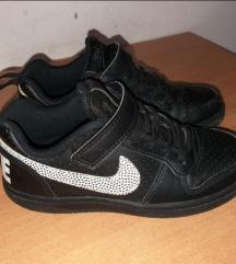 Nike original decije patike broj 29.5