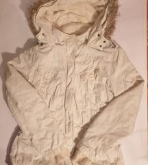 Topla zimska jaknica ☃️