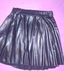 Kratka crna suknja