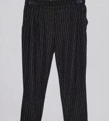 Prugaste pantalone