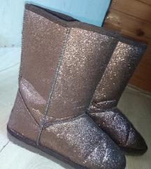 Bronzane cizme