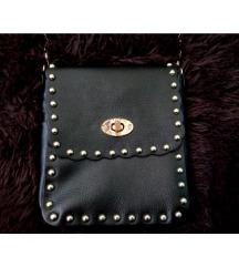 Crna torbica sa nitnama