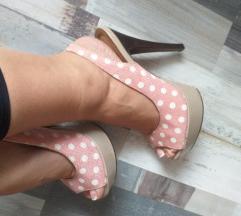 Roze sandale na tufne 37
