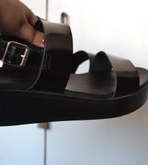 ASOS flatforms sandale