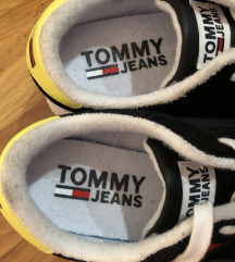 Original Tommy Hilfiger patike  NOVO