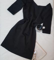* Crna haljinica/ otvorena ledja *