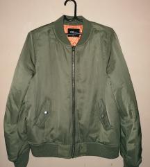 New Yorker bomber nova jakna...