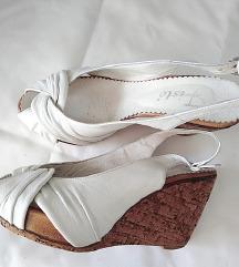 Sandale na plutu, RASPRODAJA