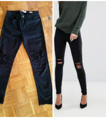 Crne skinny  iscepane pantalone vel. 28 - kao nove