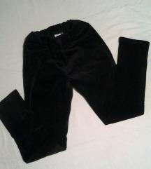 OUTFIT prelepe,tople,uske pantalone,Nemacka/L.