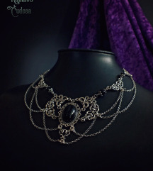 Elegantna ogrlica sa oniksom