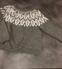 Ručno rađeni džemper sa skandinavskim dizajnom