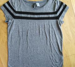 H&M Divided siva majica sa providnim linijama S