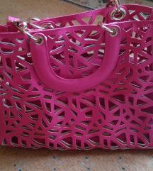 Rupičasta pink tašna/ 2500 din