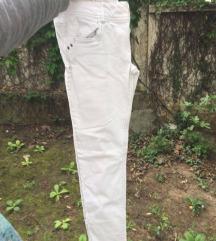 PULL AND BEAR Bele pantalone
