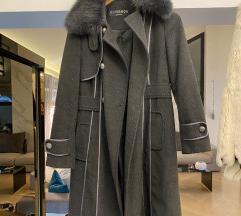 Sivi kaput sa krznom