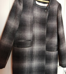 Karirani crno-sivi kaput