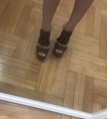 Nove papuce stikle