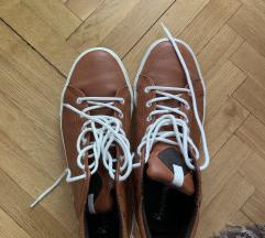 Bershka cipele patike