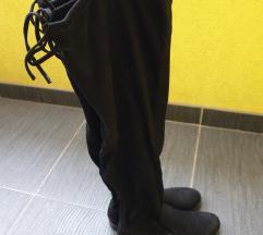 Duge crne cizme preko kolena