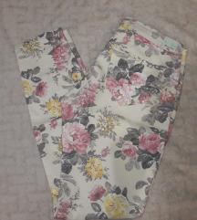 Conto bene cvetne pantalone / besplatan ptt