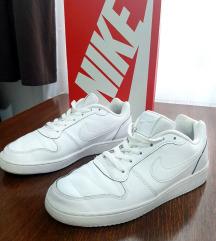 Nike patike br.39 (EBERNON LOW)