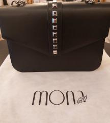 Mona crna sa nitnama
