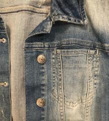 Zara teksas jakna snizena na 1800 din