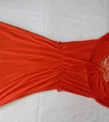 JanniferTaylor haljina sa čipkom na leđima