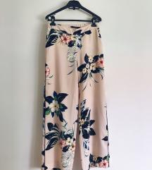 Cvetne pantalone ZARA, M