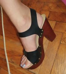 Sandale sa drvenom stiklom i podesivim kaisevima