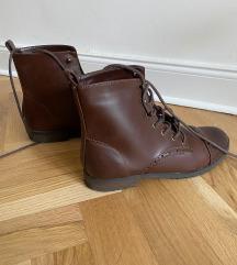 Kozne braon kratke cizme HM