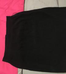 Crna plisana suknja