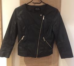Bershka kratka jaknica