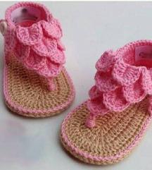 Heklane nehodajuće sandalice za bebe