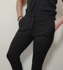 MAX MARA elastin crne pencil pantalone kao NOVO