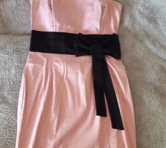 Divna roze haljina