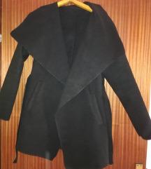 Nov crni kaput