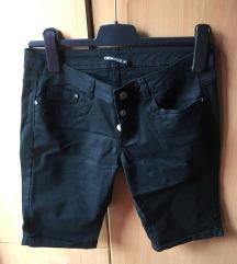 Nove TRN pantalone iznad kolena
