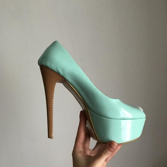 Tirkiz sandale