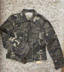 Nova maskirna jaknica