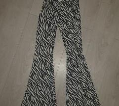 Pantalone zebraste nove