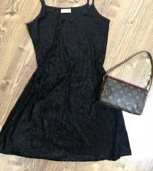 Crna plis haljina