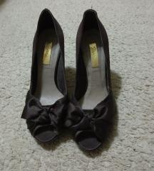 Sandale sa satenskim mašnama