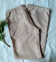 Široke roze pantalone