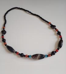 Divna ogrlica crno kamenje