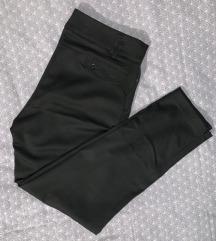 Pantalone na crtu