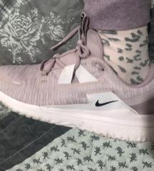 Nike react roze patike