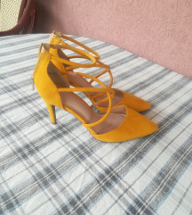 Prelepe oker sandalete NOVO-SNIZENO