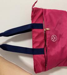 Pink torba sa etiketom